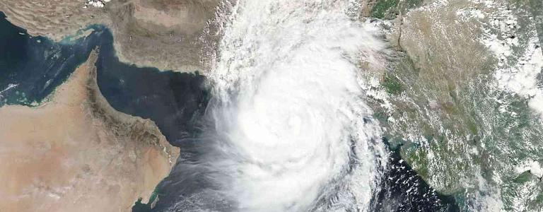 """UAE Meteorology: Storm """"Shaheen"""" has weakened and turned into an air depression"""
